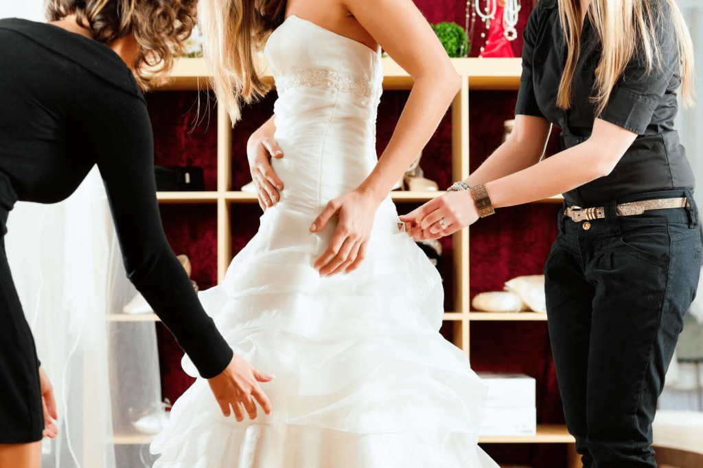 Know the Donts of choosing a wedding dress