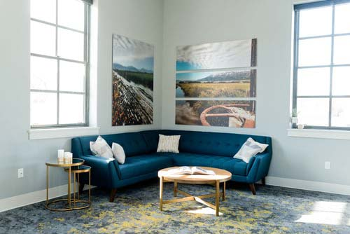 How a bit of decoration can create an illusion of a big room