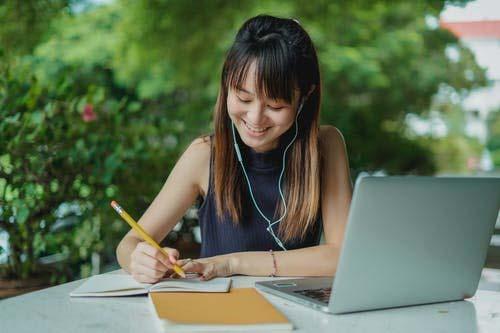 Top 9 Advantages of Online Homework Assignment Help Services