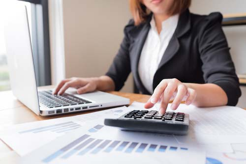 What Does an Accountant